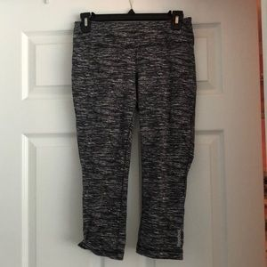 reebok patterned cropped leggings